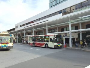 吉祥寺駅前バスロータリー